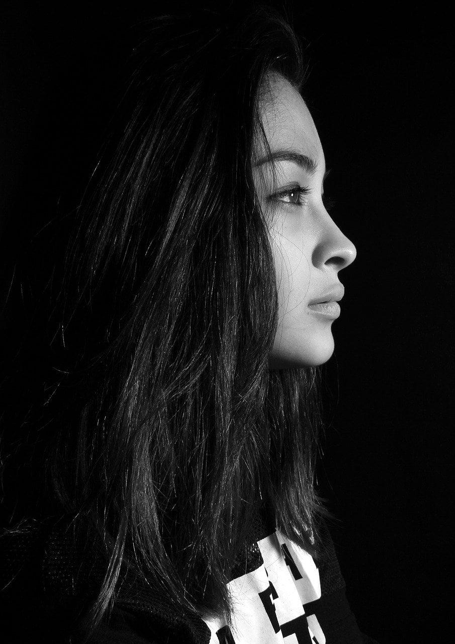 portrait woman profile face nose 657116